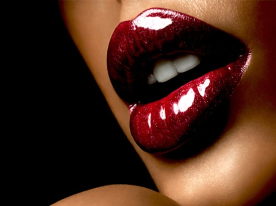 dark-skin-girl-lipstick-red