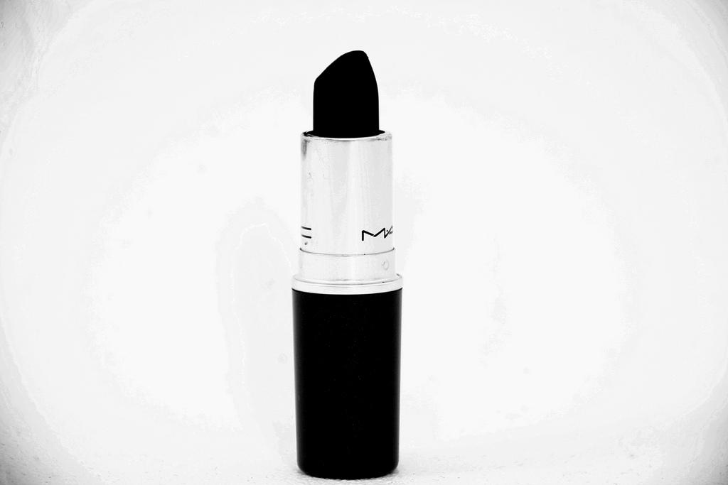 dark-lipstick