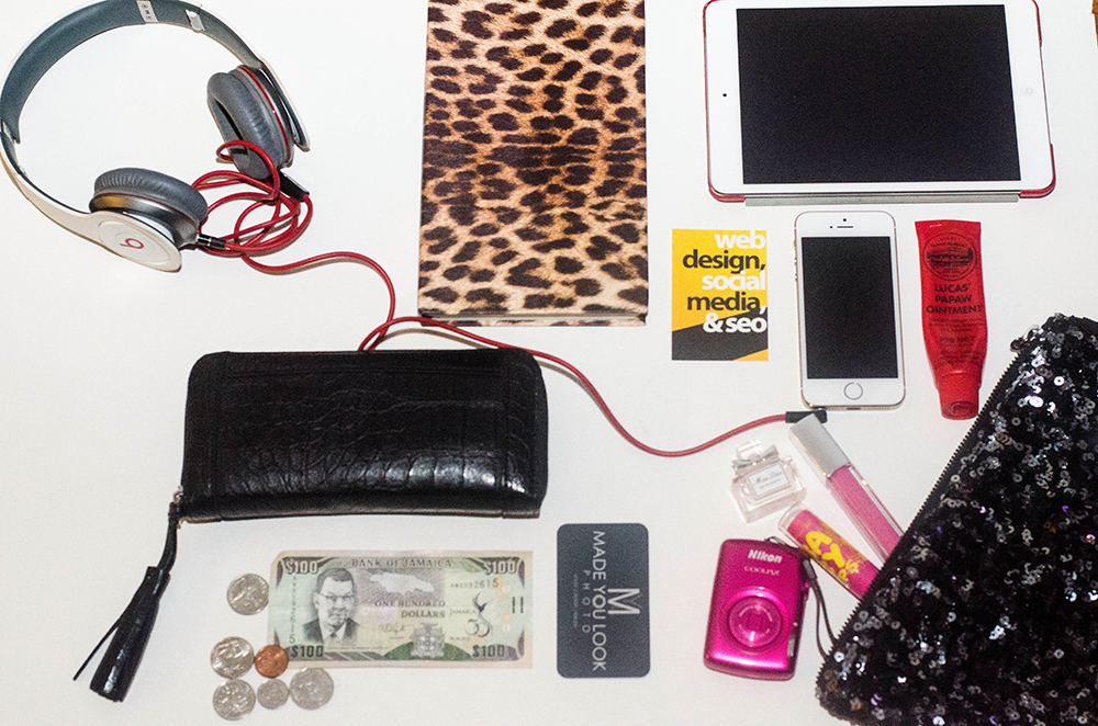 whats-in-my-bag-cover
